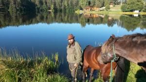 Česlovas su žemaitukų veislės žirgais