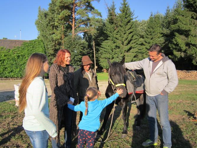 Žirgai – vaikų džiaugsmas