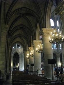 Notre - Dame viduje