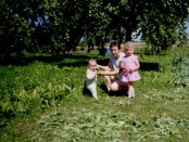 Regina su mažomis sesutėmis