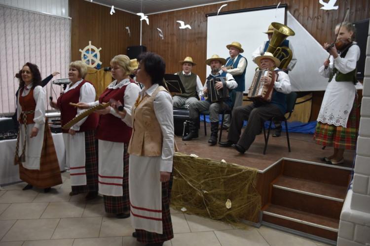 Avižonių krašto kapela kultūros dienoje