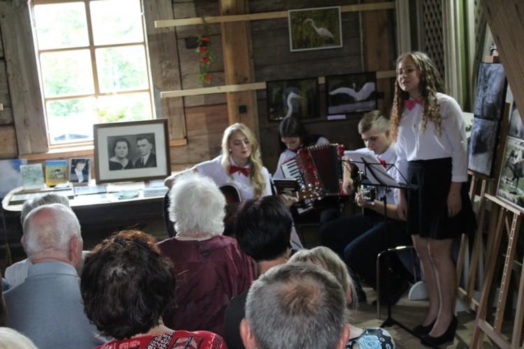 sirvintu-jaunimo-dainuojamosios-poezijos-grupe