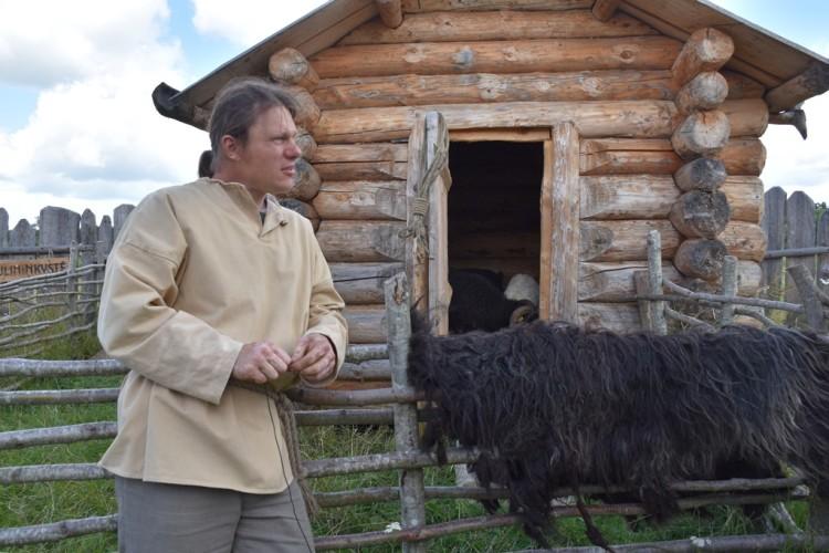 lietuvos-skudziu-aviu-augintoju-asociacijos-narys-kestutis-samusis