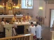 relikvijorius-ant-altoriaus