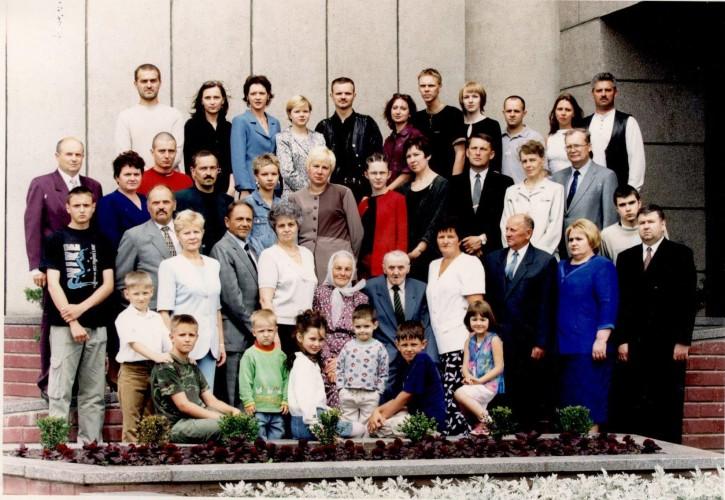 Domicelės 80-mečio šventės  proga susirinko visa Jatkauskų šeima