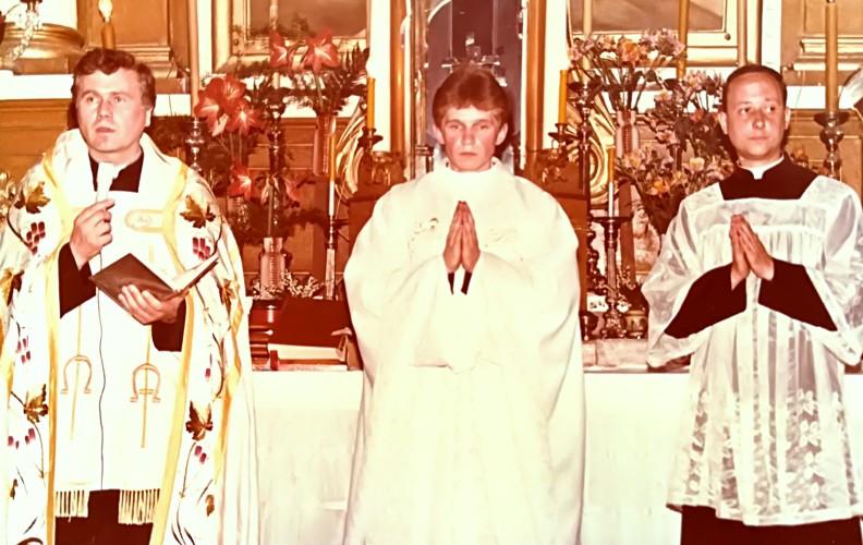 Primicijos(pirmosios mišios) tėviškėje 1992 m. gegužės 31 d.
