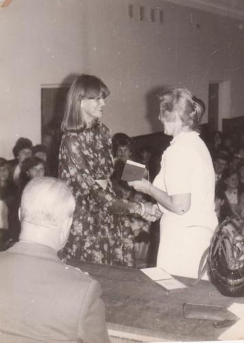 pirmasis pramoninių prekių mokslo ir prekybos organizavimo diplomas.