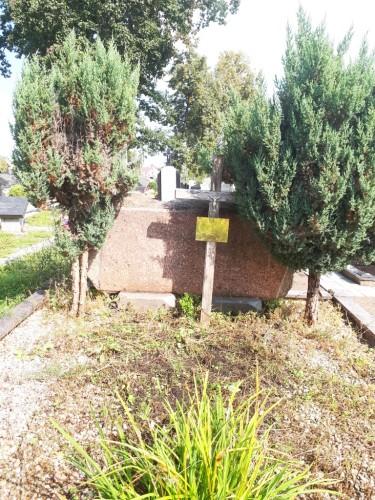 Justo ir Adėlės Kancliariu kapas