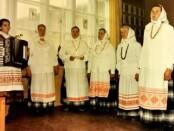 Moterų ansamblio koncertas  (p. Stefanija pirma iš dešinės)