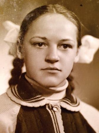 Nuotrauka iš mokslo pirmūnų garbės lentos Jauniūnų aštuonmetėje mokykloje 1976 m.