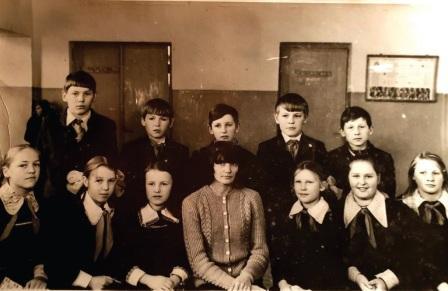 1978 m. 6–7 jungtinės klasės, auklėtoja Janina Rubašenko